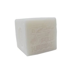 150g White Coconut Cubes